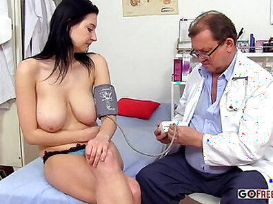 BeckySBX - Foxy Chav Nurse With Hot Ass on Tits - Full Review
