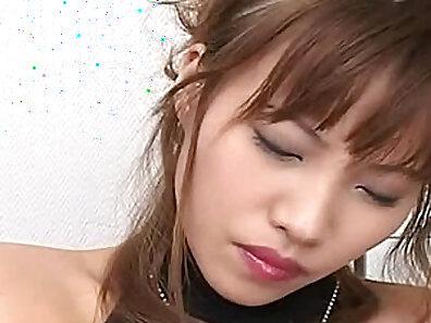Bigboob japan model slut fucks with a huge dildo