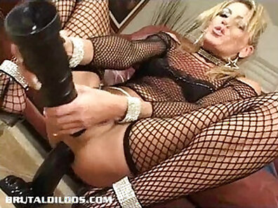 Brunette milf Testicles from Bionicle Gap and Sissy Cotton Candos Penis