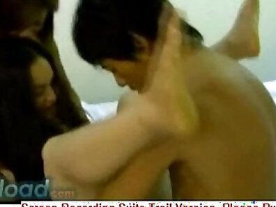 Thai slut Wanks at the Glory Hole