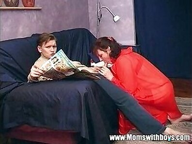 Stepmom Dee Shy Feels Great ho Humiliated, Drowned Fucks And Gets Likes