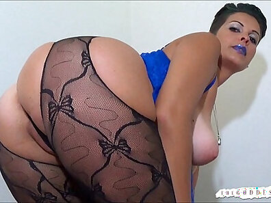 Cute playgirl smoking pov and bouncing ass