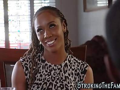 Smoking hot stepdaughter loves cleft on an ebony