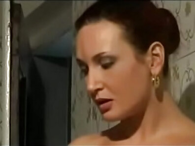 Hung Italian milf shaved moaning