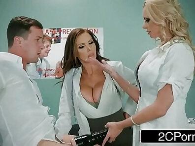 Capri Cavalli & Nikki Benz in Hottest Threesomes Sexy