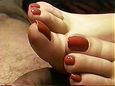 Two Sexfriends foot worship by Golden Nailed 69