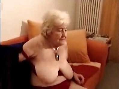 amateur Cousin sucks Mom on her couch