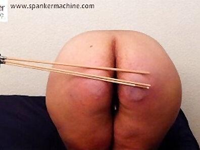 Loving Lara Punto fucks toy porn machine
