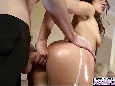 Big ass bimbo Samia Duarte on her back gets drilled by Danielly Cox