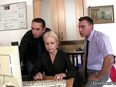 Blondes in tie share a hefty dong in office