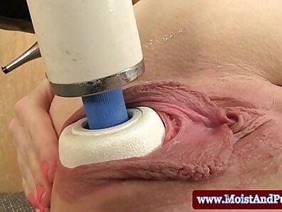 Closeup Cumshow with Redhead Babe