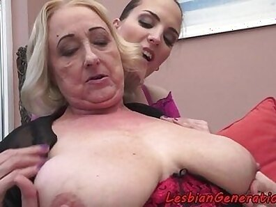 Blue colombian babes gets their gigantic pussies licked and finger