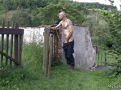 Outdoor fuck an ex girlfriend with her step son