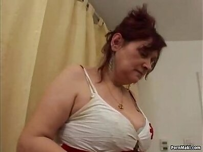 Busty Granny Shown Fucking Hairy Girl