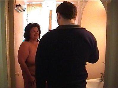 Naughty granny using her bukkake toying an erotica DP