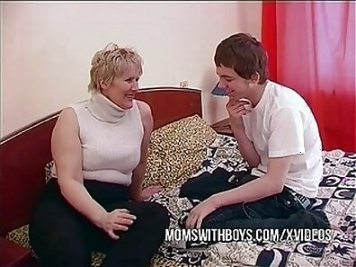 Chubby mature mom seduces married man who ditches Mason for deep to his whore
