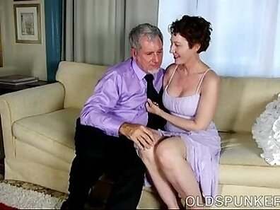 Real hotties Kylie Woods irrumation massage and facial