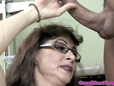 Candid mature mom in black stockings with hairy