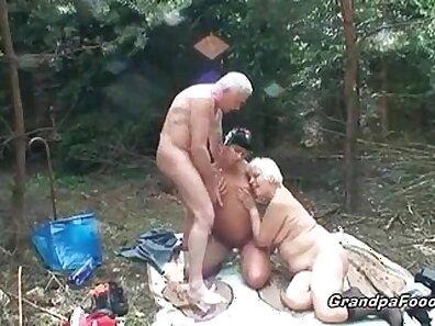 Big dick muscular granny fucking young slut