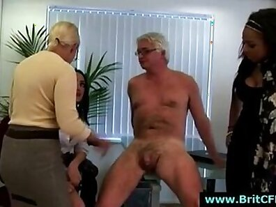 Mature plumber punishing hunk in the office