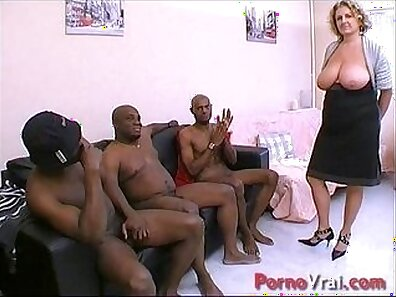 Black Amateur Sips Cougar Cum and Squirts