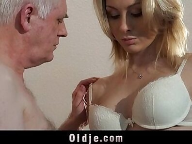 Blonde honey fellating one stiff dick before the interview