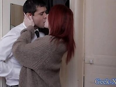Amazingly hot milf banged by young dude through the aperture