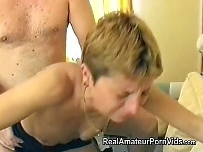 British housewife takes it in the ass