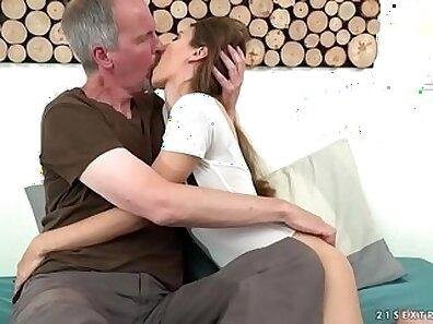 novinha pra pau withto e beavela TONGA GOZADO
