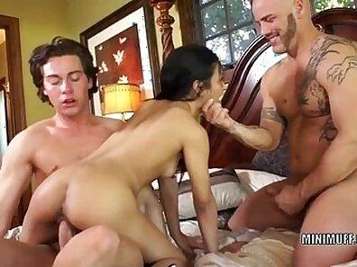 Filipina Threesome SEX BOCA
