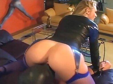 Blondie Jasmine facesitting in lingerie