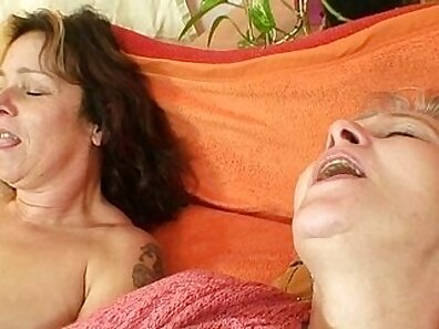 amateur hot mom double penetration with dildo