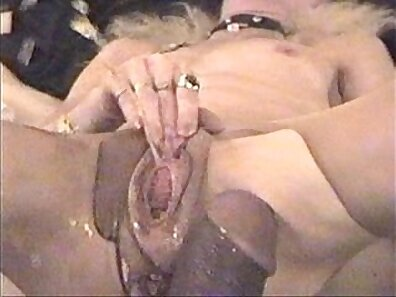 Bizarre thing is squirting naughty during the foreplay