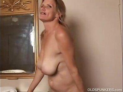 Hot Mature Slut with perfect Ass