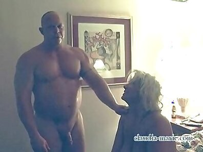 Amateur prostitute in stockings gets fucked