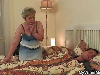 Crazy cheating wife given a perfect present to pose