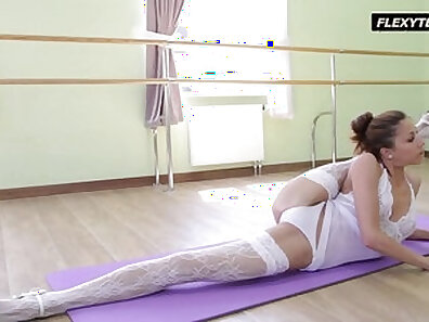Alektra Sweet & Maria Luna Stevens in Fucked By Guy At A Gym