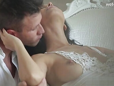 Extremely erotic cowgirl pussy eating job