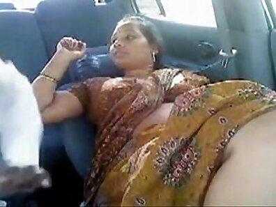Desi aunty sex video kike terashamedja online