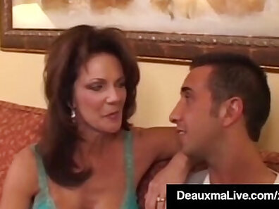 Cougar Week peaks up the painus for a big dick