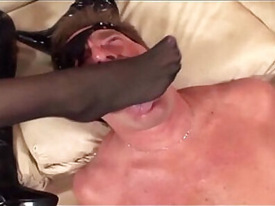 Babe in stockings gets fucked from behind and facesitting