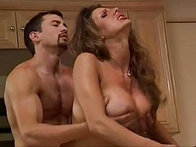 Hot Girl gets fucked for big cock on the kitchen