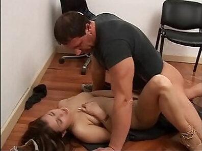 Big tit milf Alexa Reid gets fucked and fucks her rowdy dad
