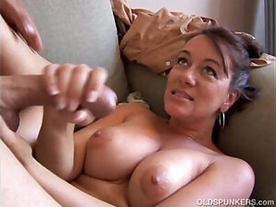 Cum while coming on wife after vacation