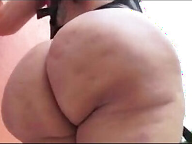 Chubby ass latina MILF headpeg fucked