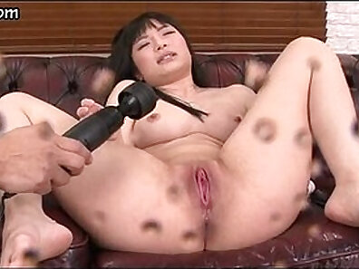 Bodacious Asian chick Maki Envy takes some love potion from her boyfriend